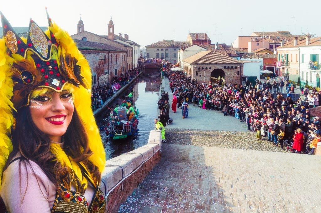 Comacchio è un'opera d'arte con il Carnevale sull'acqua