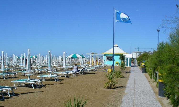 Jesolo Bandiera Blu, un riconoscimento che vale oro per questa Estate 2020: il diciassettesimo consecutivo per la spiaggia di Jesolo