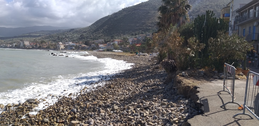 Caronia, una gara per sistemare il litorale distrutto dall'erosione costiera