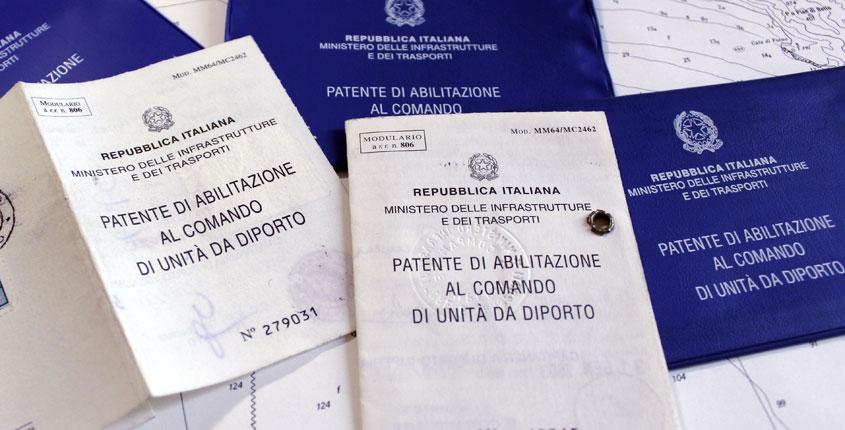 """Patenti nautiche facili a Napoli, le agenzie: """"Quiz d'esame va cambiato"""""""