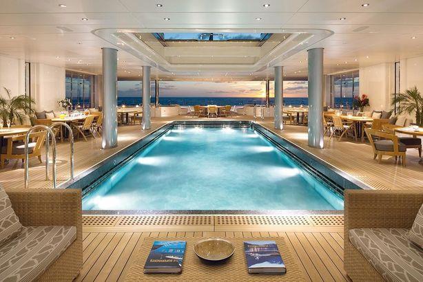 dilbar yacht piscina