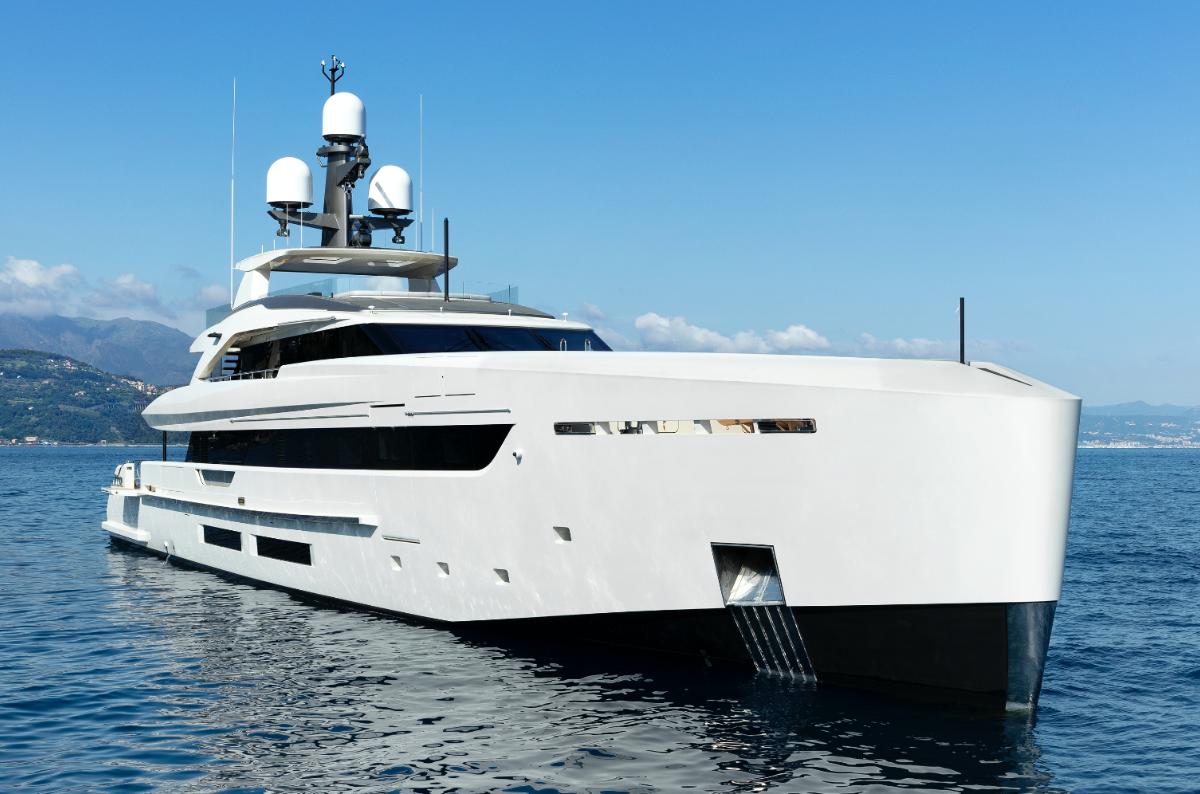Annuncia la vendita del quarto 50 metri Tankoa interamente in alluminio