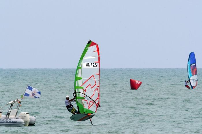 Grand Slam di Windsurf foil